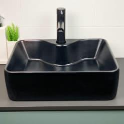 fristående handfat tvättställ svart med avställningsyta