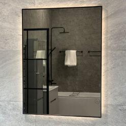 svart spegel med leb-belysning duvholmen qbad 60